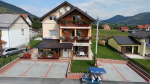 Guest house Mijic front air