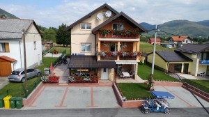 Guest house Mijic front air 2