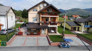 Guest house Mijic front air 3